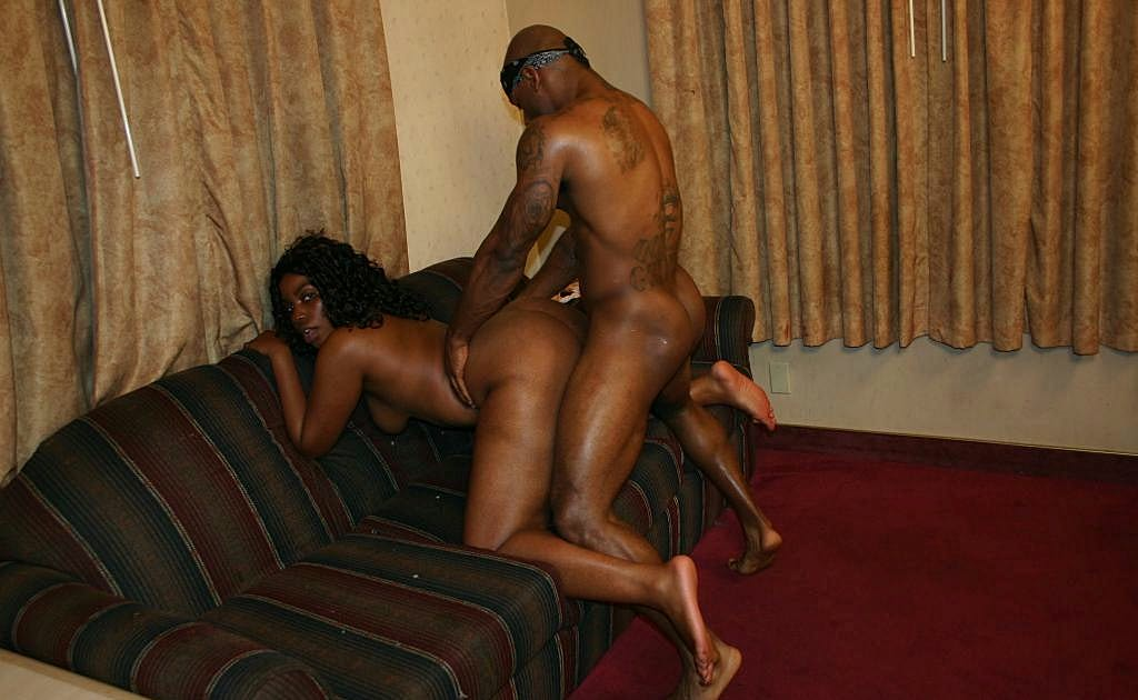 video black booty gets pussy fucking from behind