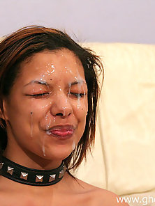 Degraded ebony whore gets a huge facial