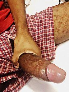 Longest Dick of Hunky Dude Holds and Jerked on Camera