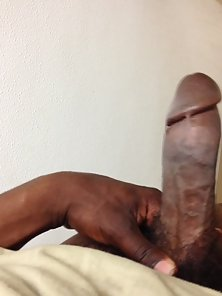 Wicked Black Man Exposes His Thick Dong in Pov