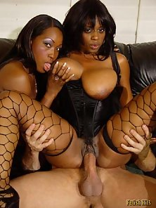 Sexy black chicks sharing white meaty cock