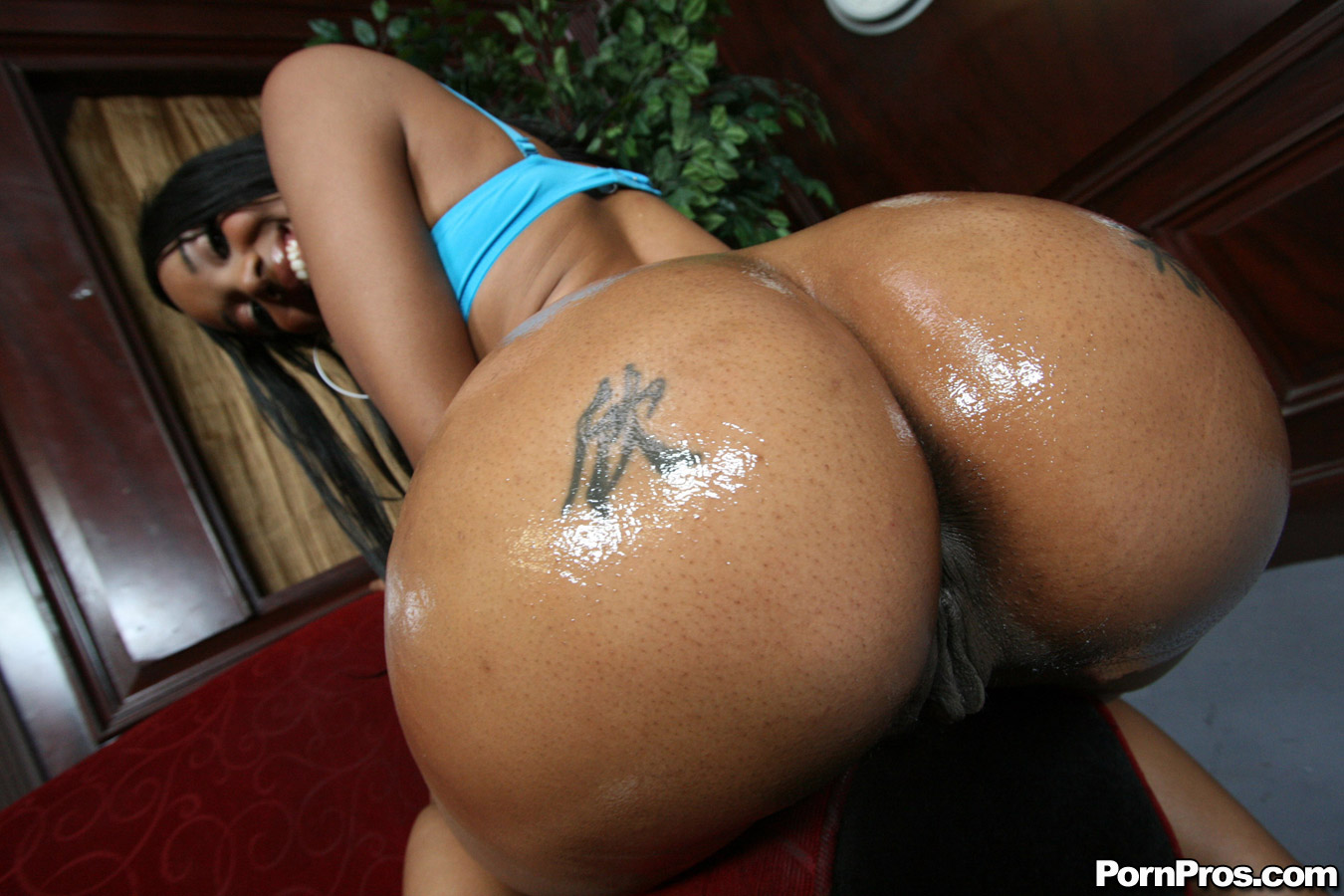 Ebony ass tubes