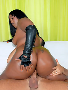 Super hot big fucking black ass keita shakes her rump then takes a rod up her juicy box in these ama