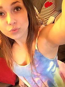 Petite Brunette Nubile Ready For Taking Her Selfie Pic