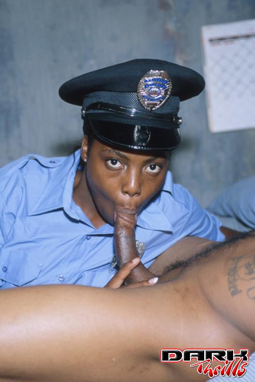Black police officer fucks horny girl