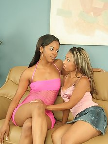 Two ebony hotties making one another cum