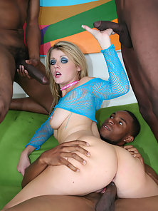White girl gets a black gangbang