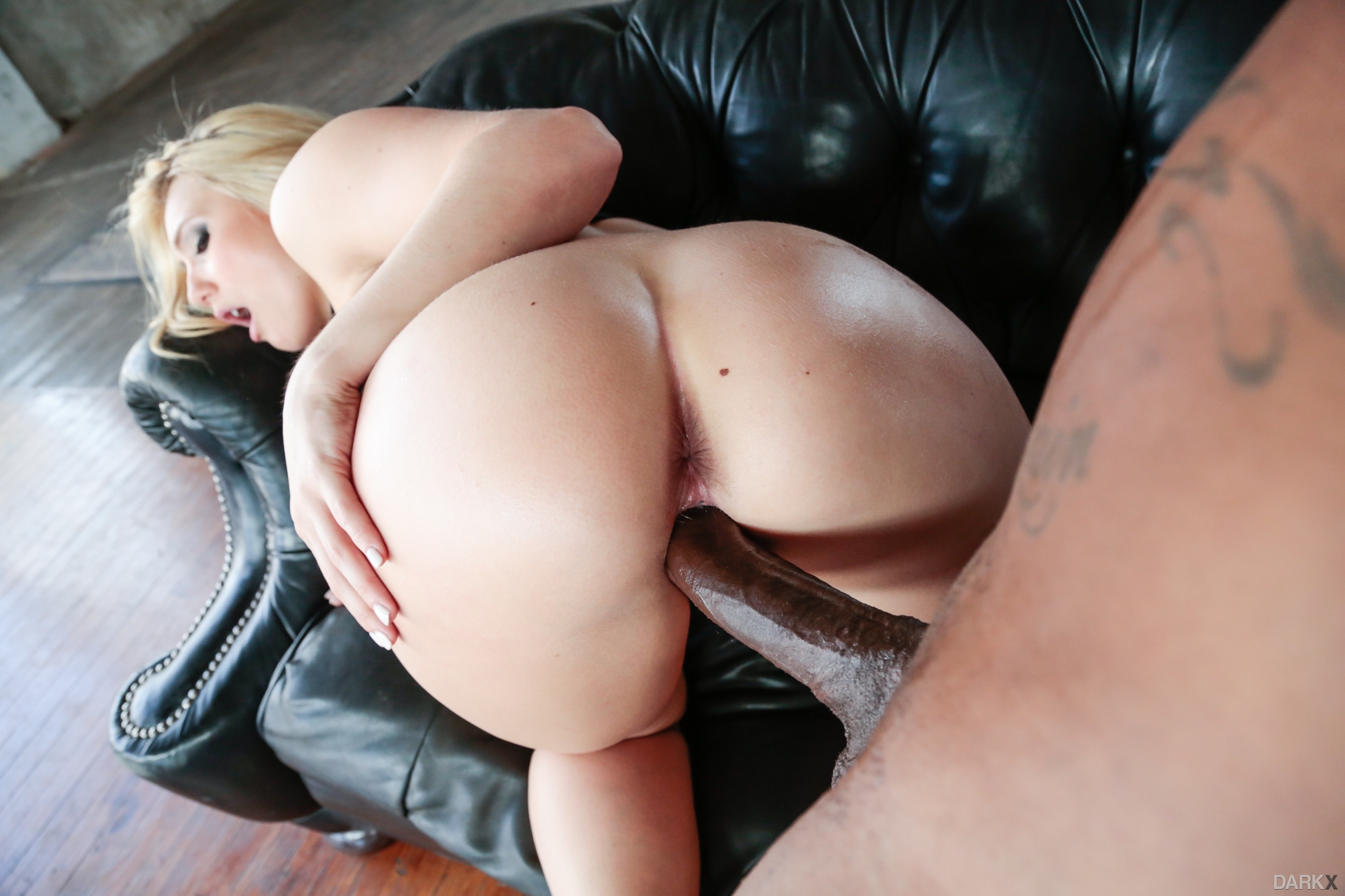 Blonde hottie aj applegate bend over and takes fat cock in her big butt