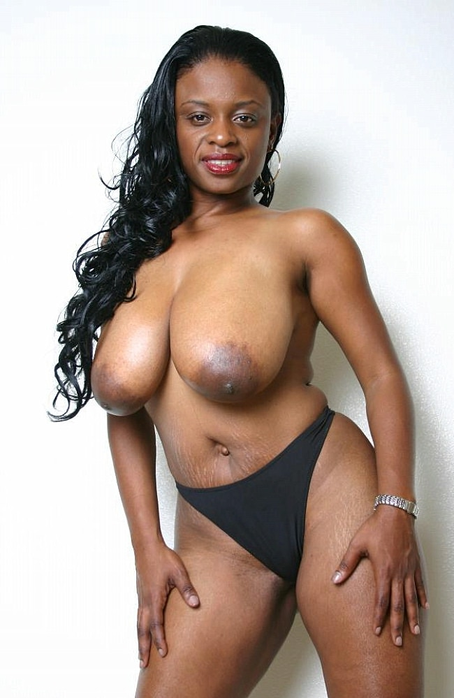 Massive Tits Ebony Slut Flashing Her Boobs And Rammed Hard -8238