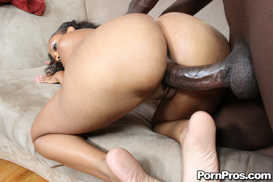 Petite Black Girl With Big Bubble Butt - Ghetto Tube-3034