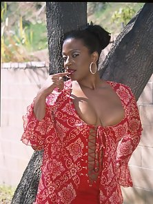 Horny Ebony Babe Enjoy Boobs Pressing and Fingering At Outside