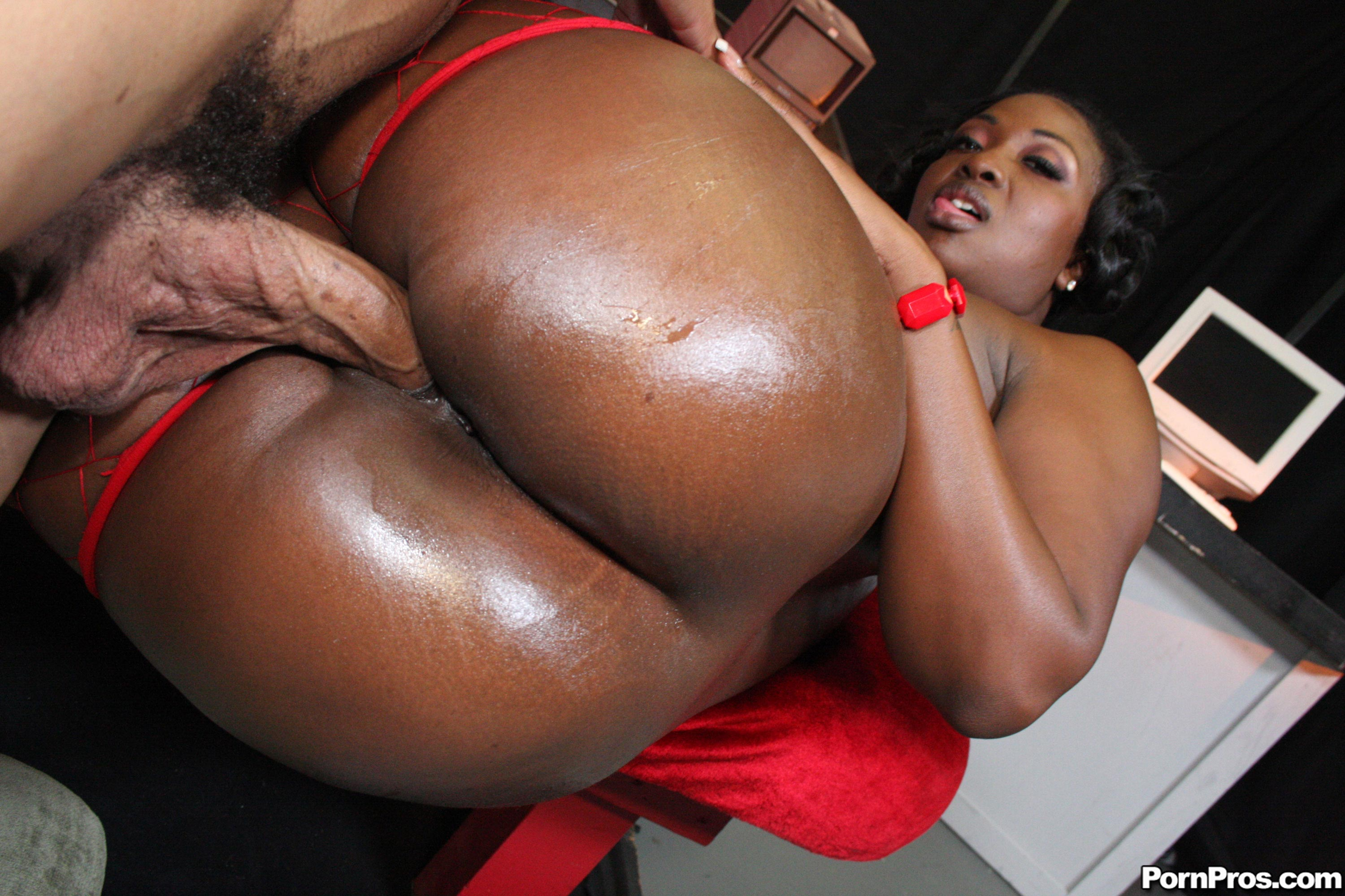 Big Ass Ebony Aryana Starr Gets Fucked After A Titjob -4801