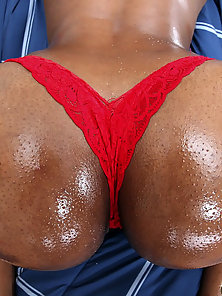 Gorgeous black girl with sexy ass and tits watch her thick ass bounce on a fat dick