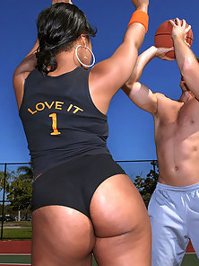 Check out this amazing super hot ass big booty basketball chick nailed hard in this beach side hot a