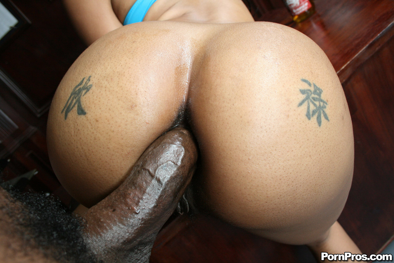 Hot Black Ass Booty Slut Takes Huge Cock Up Her Ass -5096