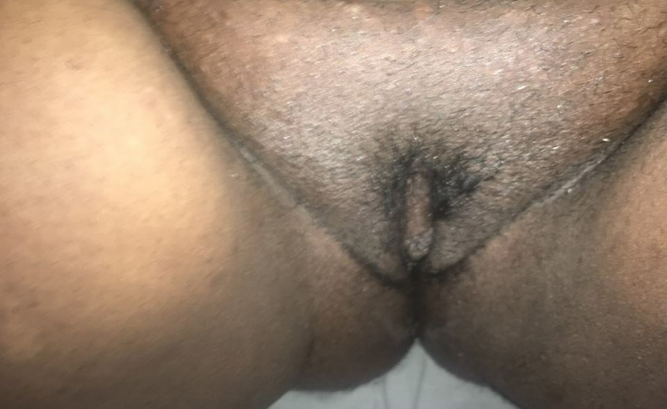 Homemade Ebony Chick Exposes Her Hairy Cunt In Pov -1012