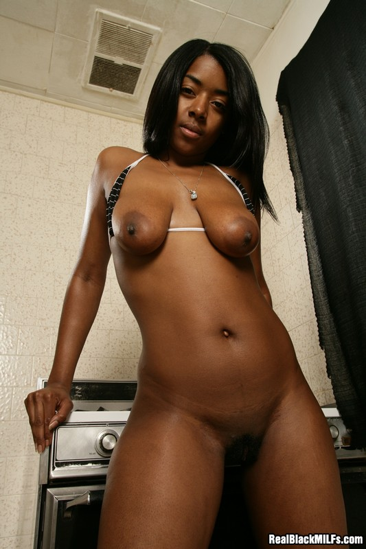 Super Skinny Ebony Milf Showing Off Her Naked Body -8455