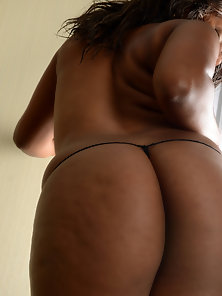Sexiest Ebony Whore Twerking Her Thong Wore Massive Booty before Lesbians Sex