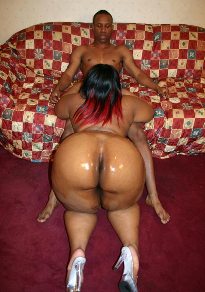 Black Bbw Crystal Clear Shows Off Her Big Ebony Ass Before -6083