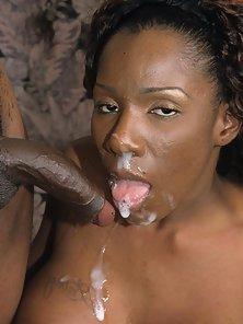 Curly Hair Ebony Babe Gets Hammered In Cunt with Hot Cumshot