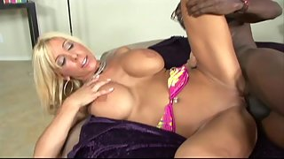 White milf with Big Bosom Hard Rammed by ghetto cock