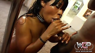 Passionate Black Slut with Bubble Butt Having Deep Penetration from Behind