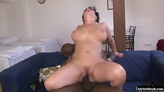 Naughty mature gives boobjob and fucks black dong